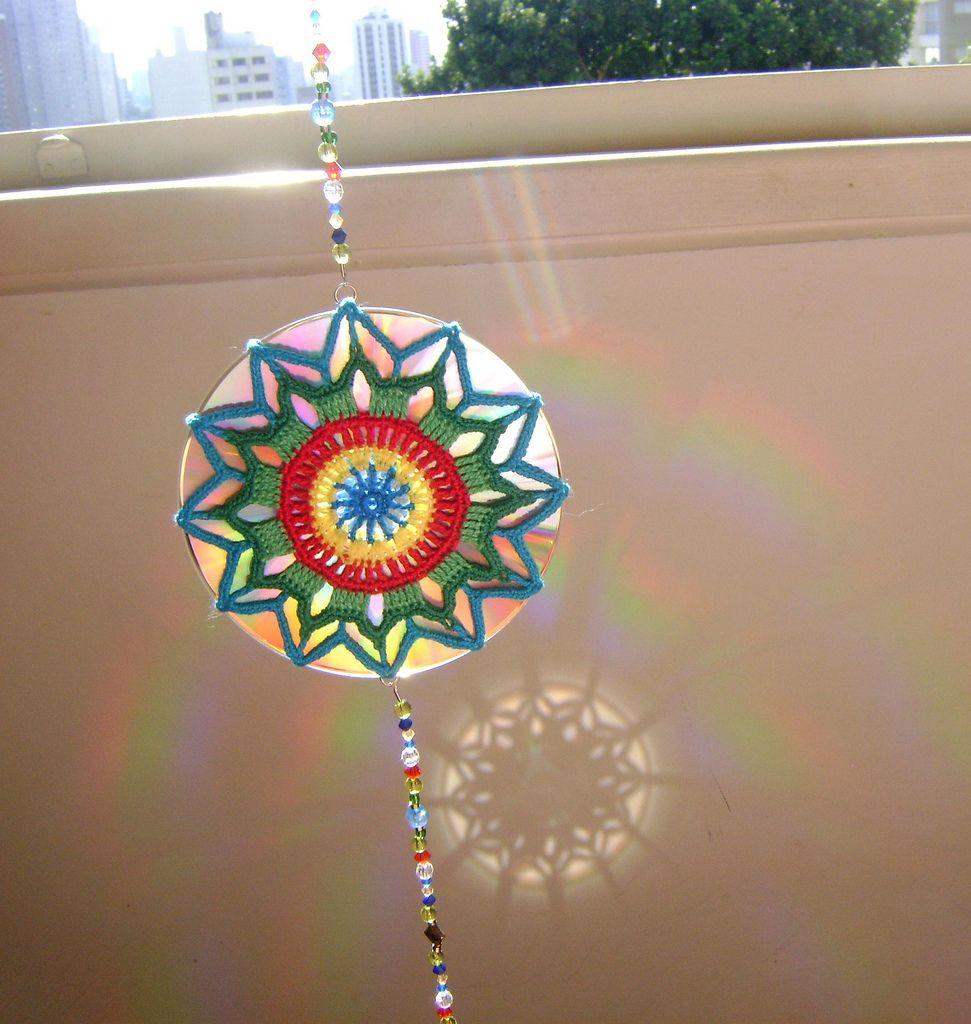 Mandala De Crochet Em Cd Reciclado Efeito Do Reflexo Do Sol Na