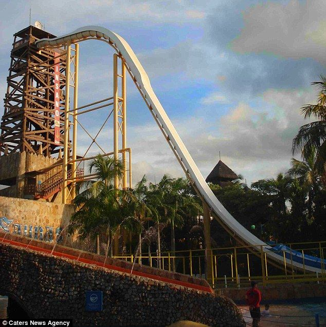 Tallest Inflatable Water Slide In The World: The Ultimate Splashdown: World's Tallest And Scariest