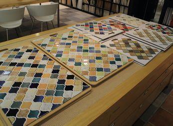 家をアートな空間に タイルの活用法とは ショールームレポート フォトフレーム 手作り タイル ガラスタイル