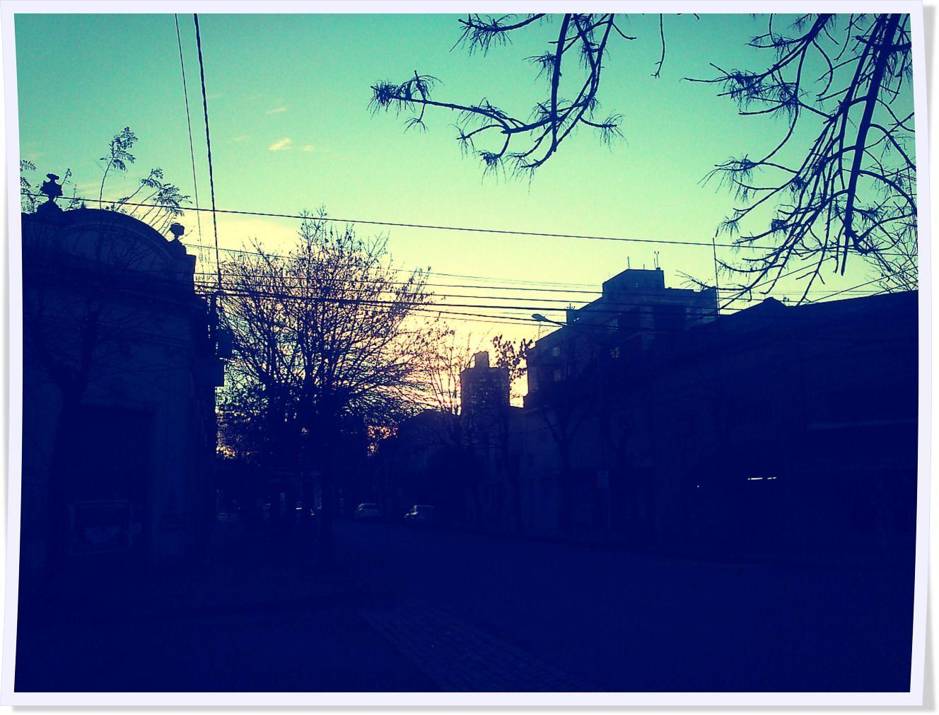Hora de empezar a trabajar y el sol apenas desperezándose. #100happydays #día52