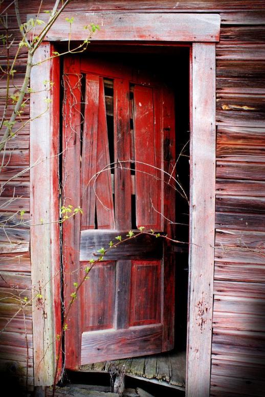 Old Barn Door Red Door Old Doors Unique Doors