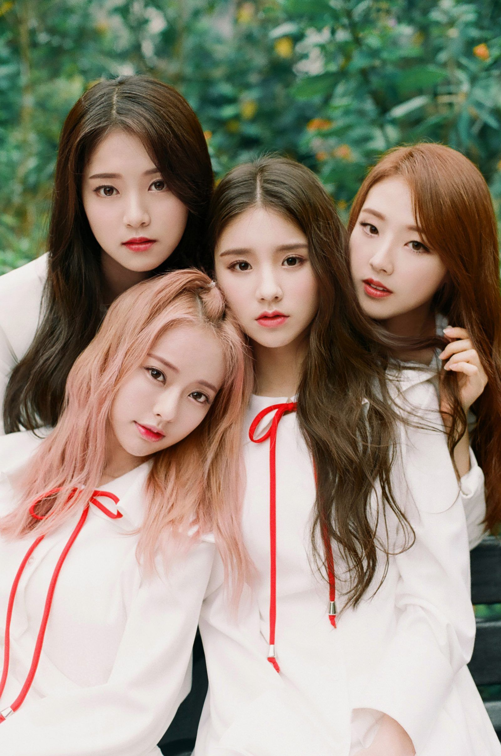 All The Girls Standing In The Line For The Bathroom: Upcoming Girl Group LOONA (LOOΠΔ) Might Just Be The Next