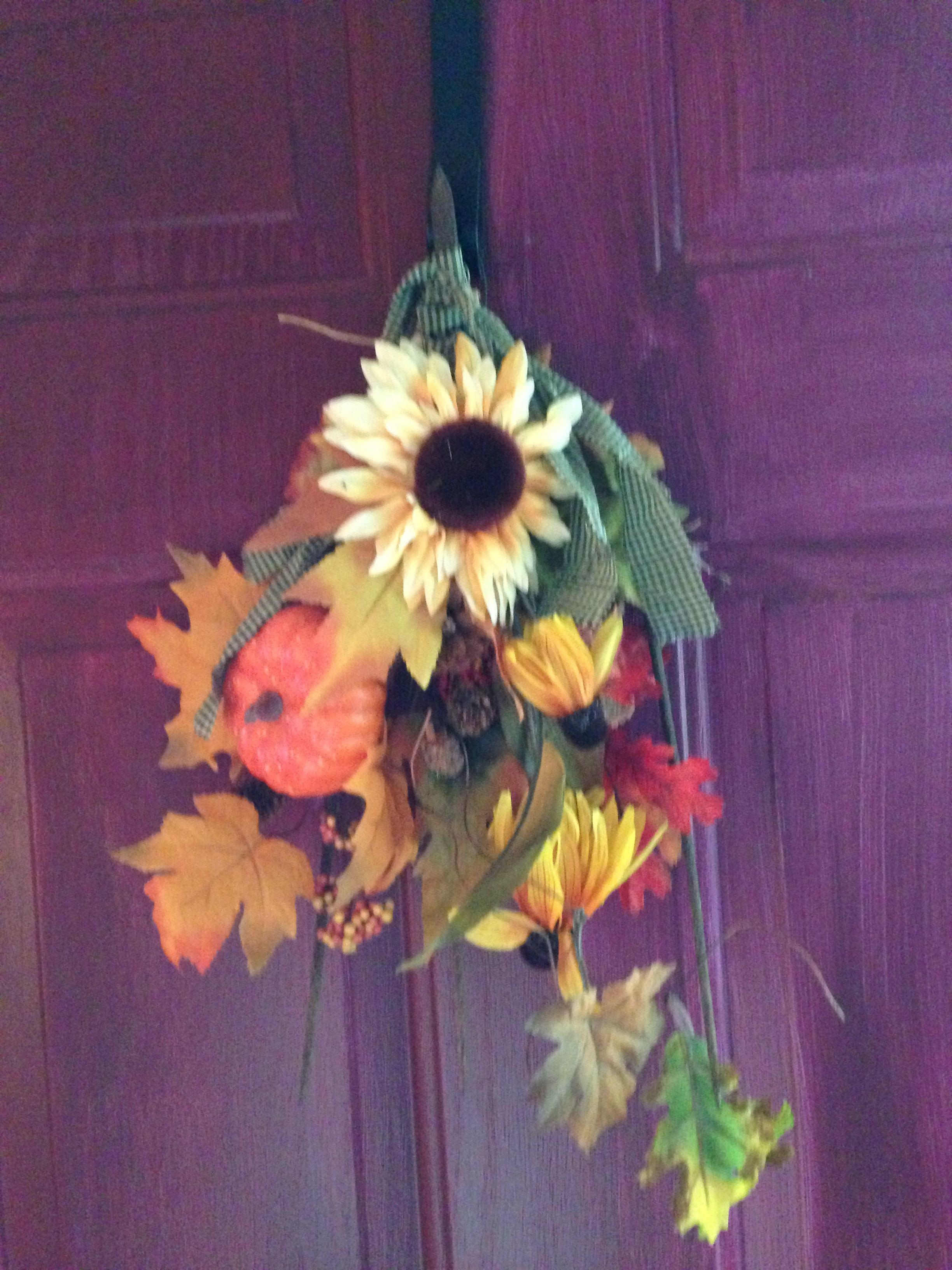 Fall arrangement on a old pitch fork head
