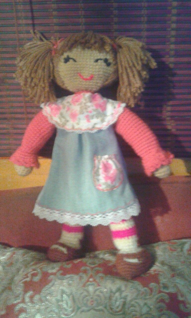 Muñequita a crochet. Pattysaavedra2610@gmail.com.  Coyhaique, Chile.
