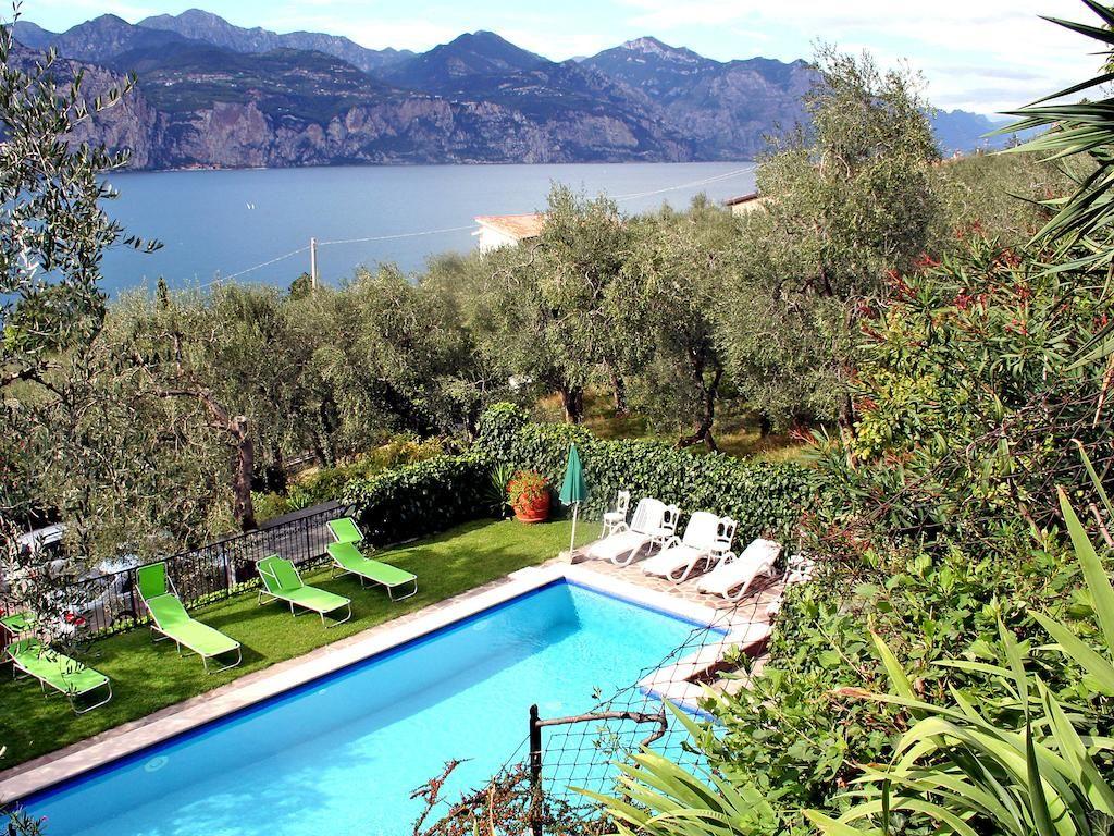 Apartment Primo Piano Brenzone Sul Garda 2 Bedroom Apartment Swimming Pools Outdoor Decor