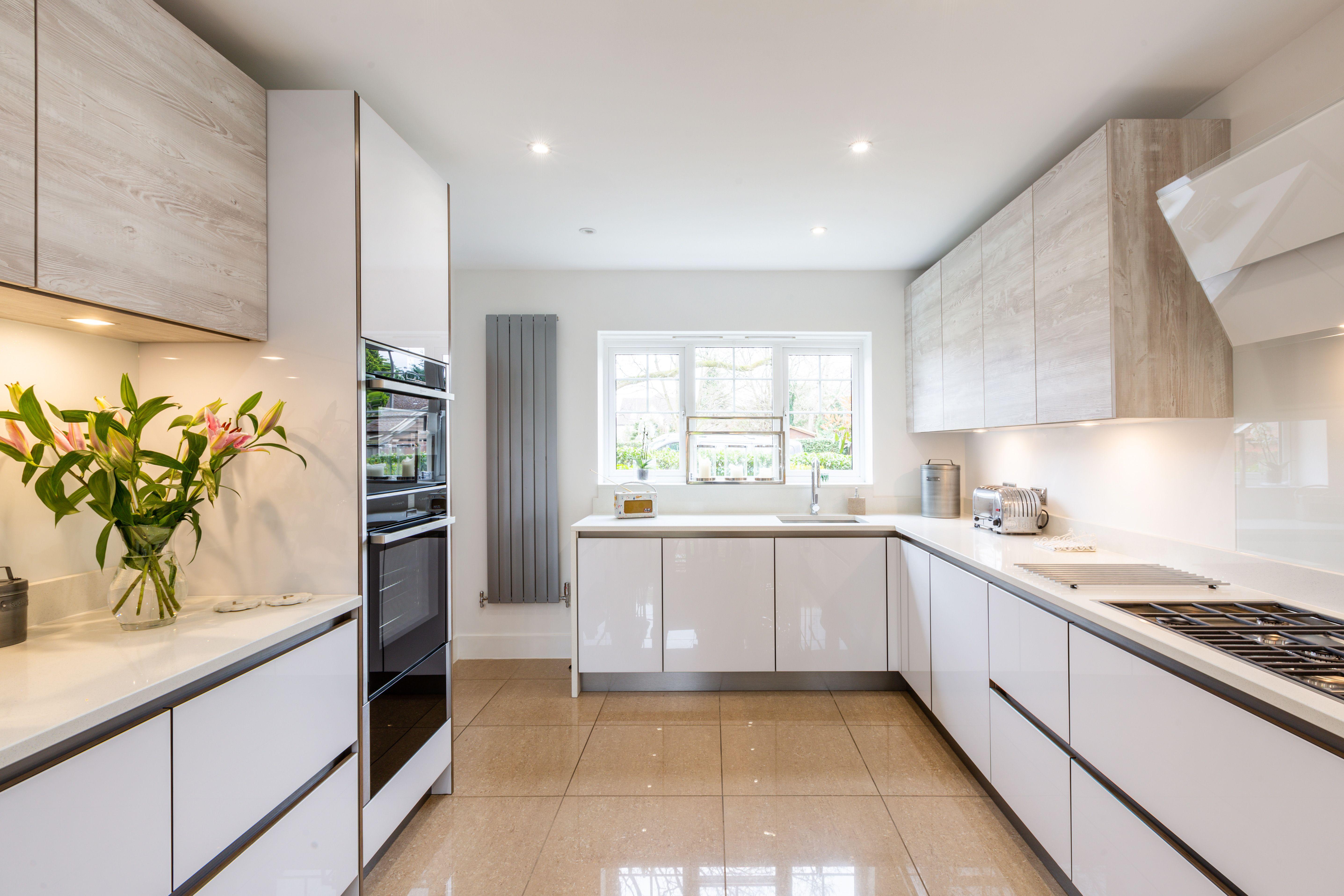 contemporary handleless kitchen design with acrylic white gloss rh pinterest com