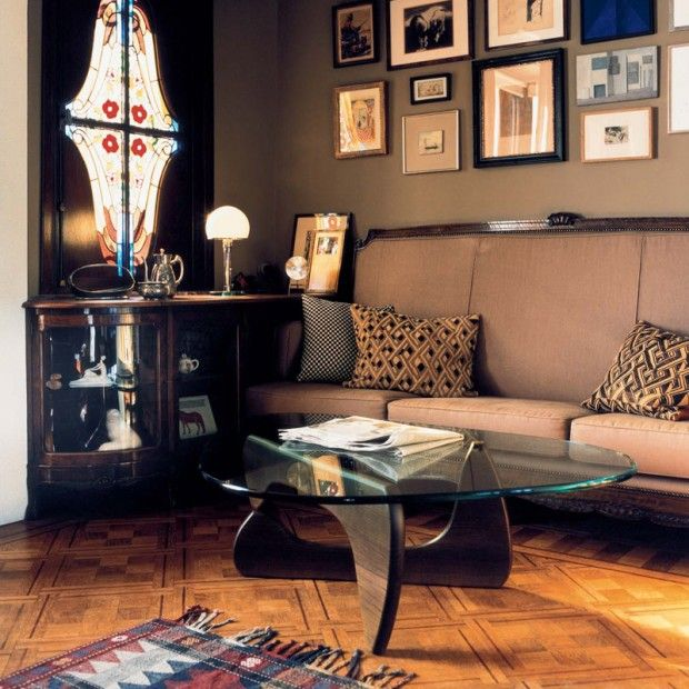 22 grands classiques du design house. Black Bedroom Furniture Sets. Home Design Ideas