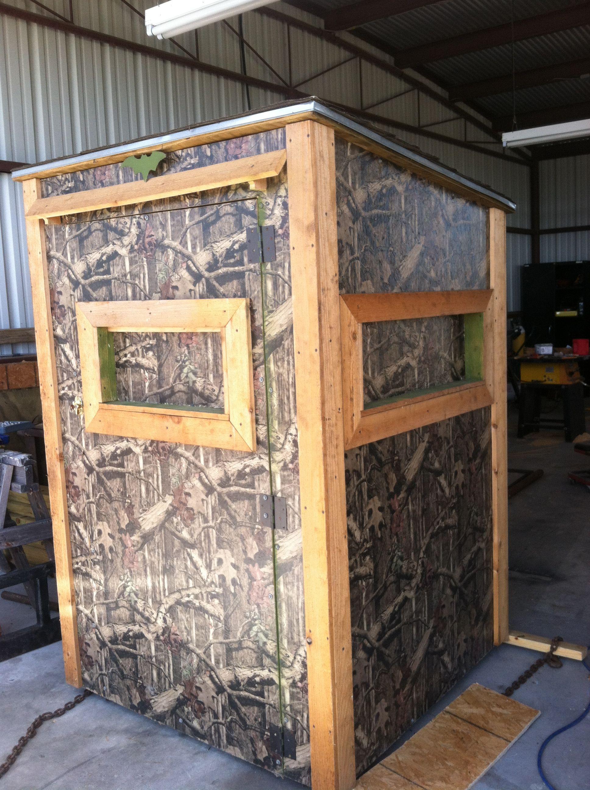 diy deer stand just because deer hunting blinds. Black Bedroom Furniture Sets. Home Design Ideas