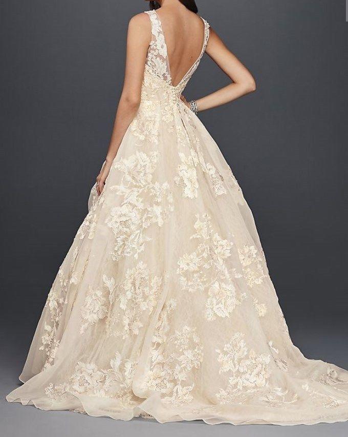 168d4227cd5261 Oleg Cassini High Neck Tank Lace Wedding Dress Size 10 Worn only once!