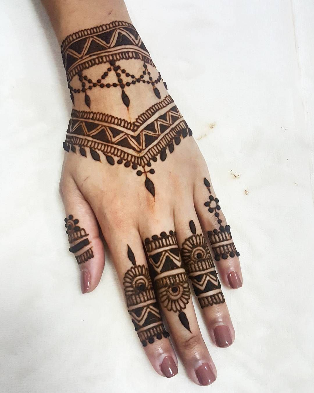 Simple Henna Tattoo On Hand: See This Instagram Photo By @khairhenna • 865 Likes (With