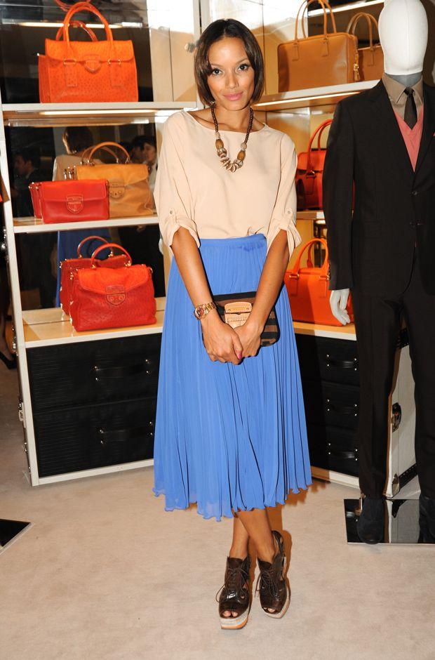selita ebanks - love this blue and tan combo!