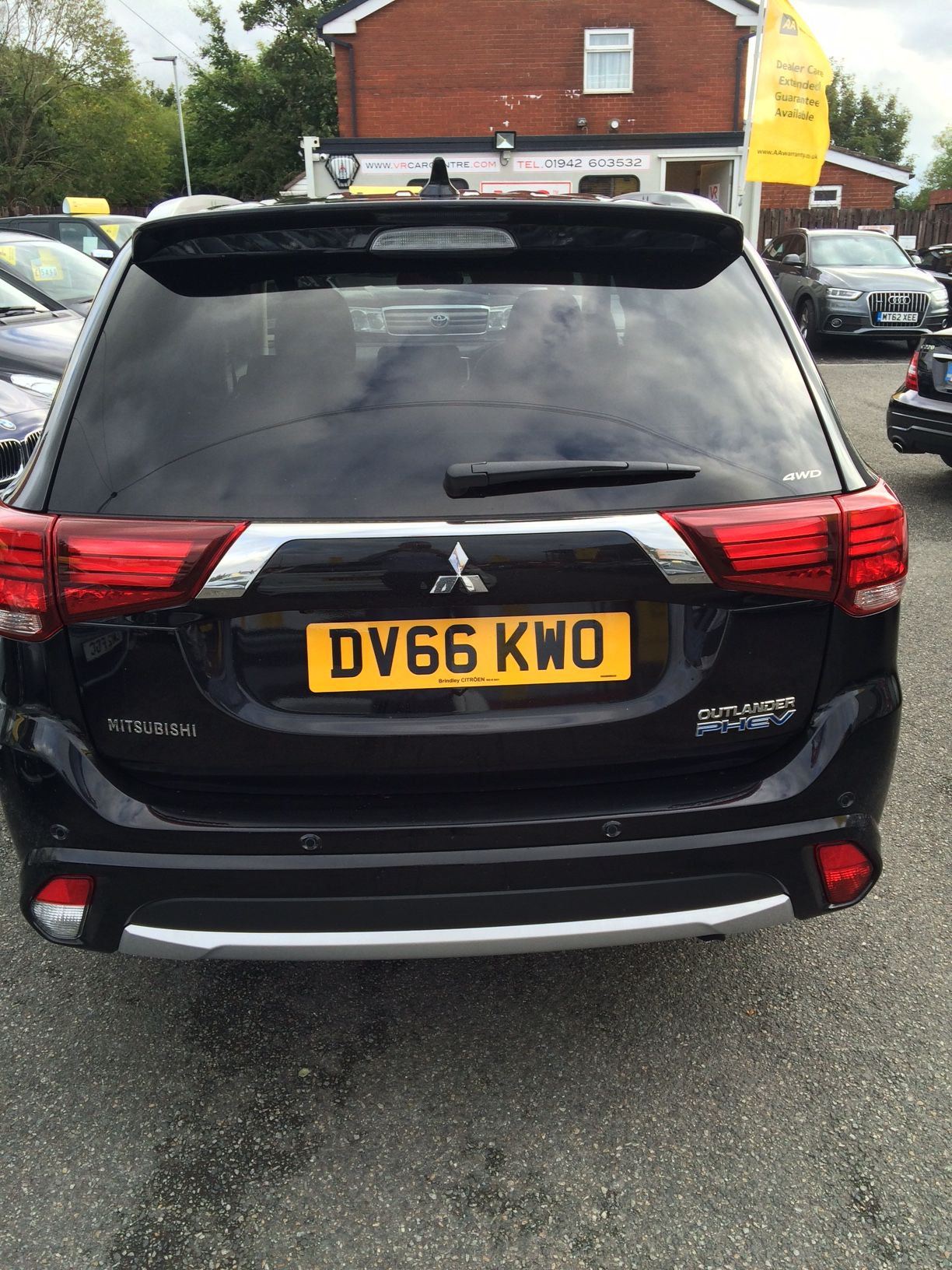 The Mitsubishi Outlander PHEV carleasing deal One of