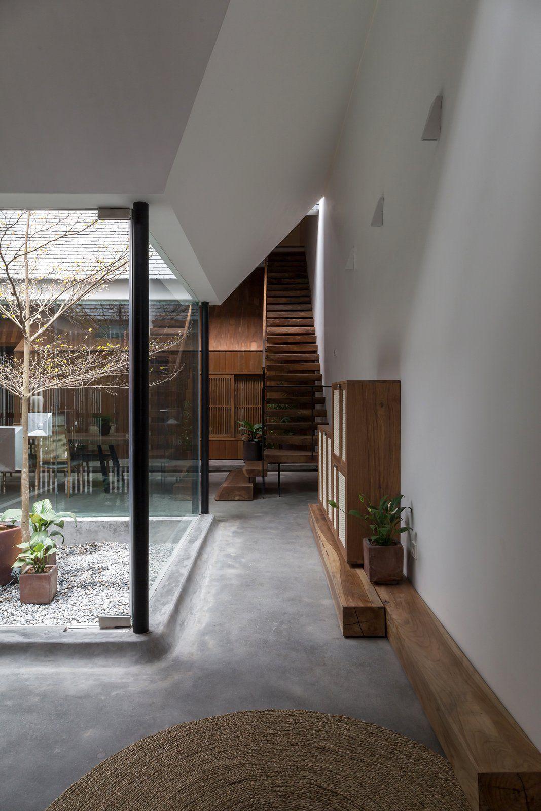 A Vietnamese Abode Draws In Light With A Glass Atrium Atrium House Architect House Design