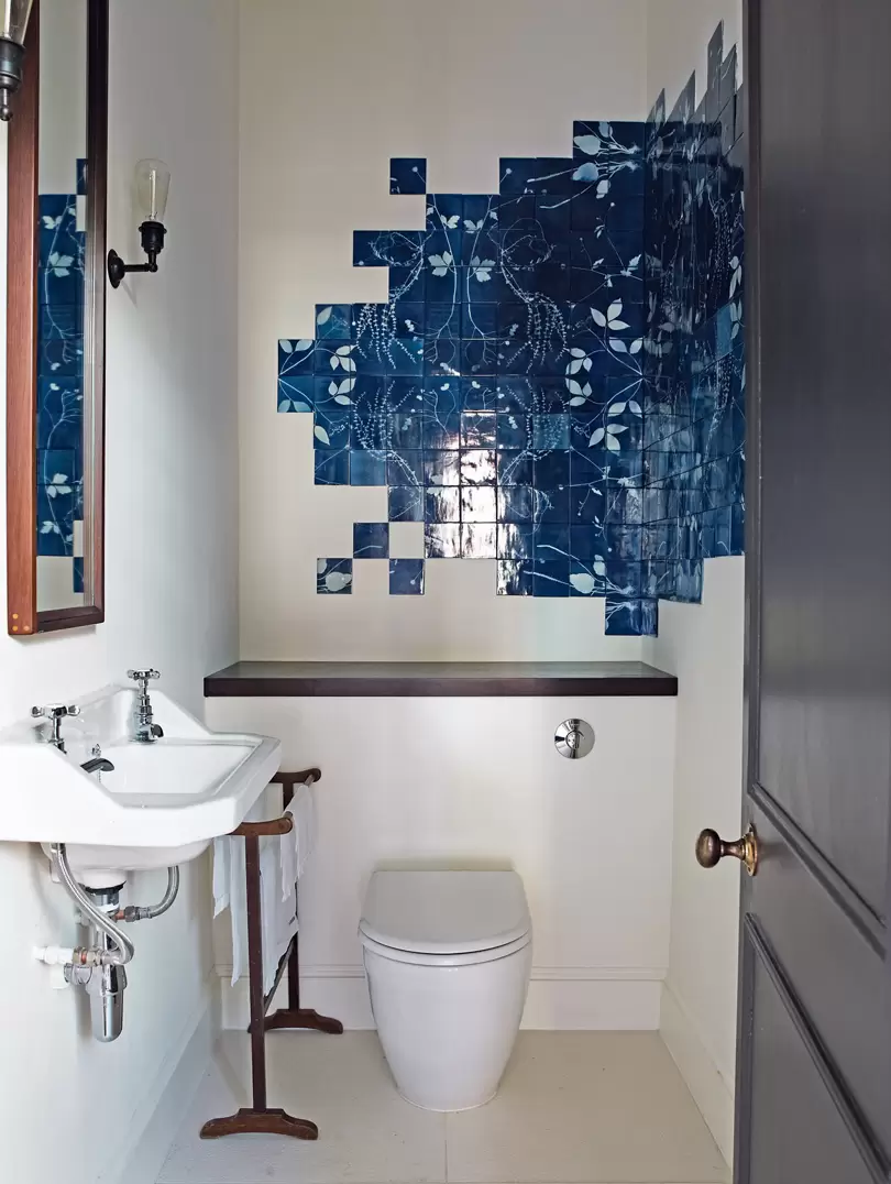 The Downstairs Bathroom In A London Flat By Ebba Thott Of Sigmar Has A Collage Of Handmade Bluewar In 2020 Unique Bathroom Decor Unique Bathroom Bathroom Design Small