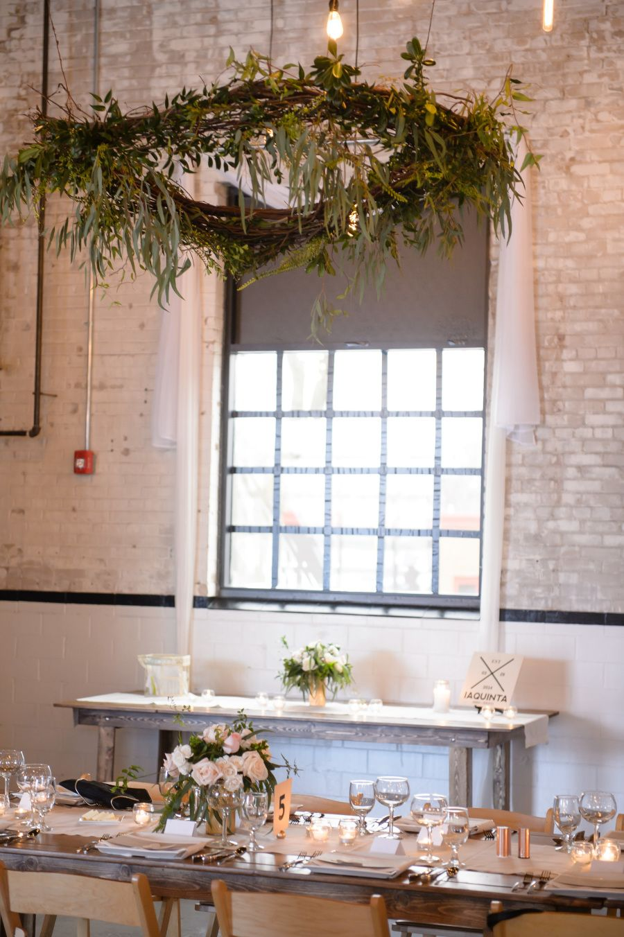 Classic-Meets-Modern Indiana Wedding | Vaulting and Wedding
