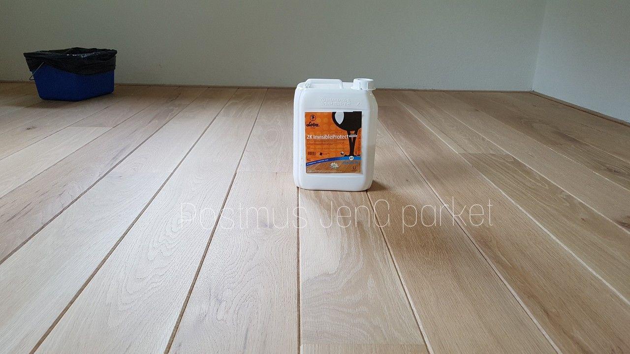 Eiken vloer afgewerkt met een speciale lichte lak houten vloer