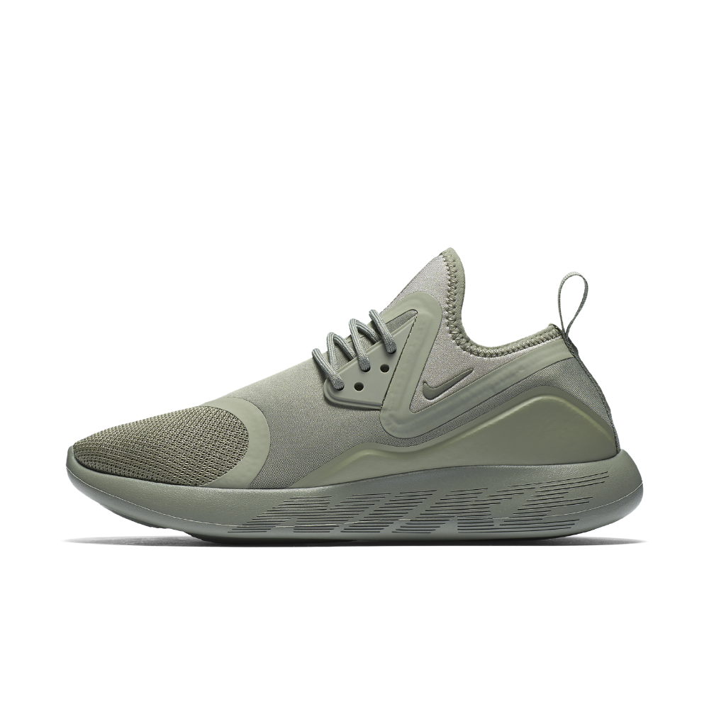 Nike LunarCharge Essential Women s Shoe Size  ca1846b7a81d