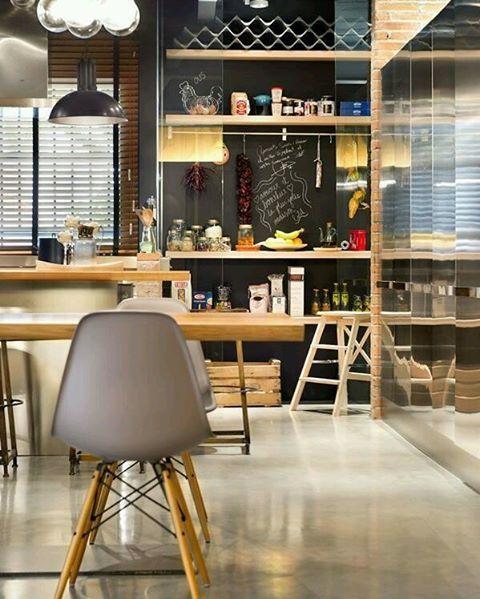 WEBSTA @ designdial - Super jovem e descolado! A mistura de texturas e cores em perfeita harmonia.O cinza com madeira é sempre uma boa pedida #ficaadica.》》》》》》》》》#arquitetura#arquitectura#architecture#archlovers#design#designdeinteriores#home#homestyle#style#design#designdeinteriores#interiordesign#interior