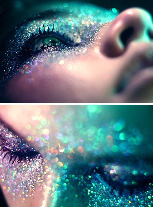Green glitter make up