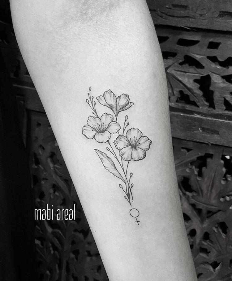Tattoo De Hoje Flores Para Nao Perder O Costume Com Um Toque A Mais De Feminilidade Girlpower Flor Florest Petunia Tattoo Tiny Flower Tattoos Tattoo Work