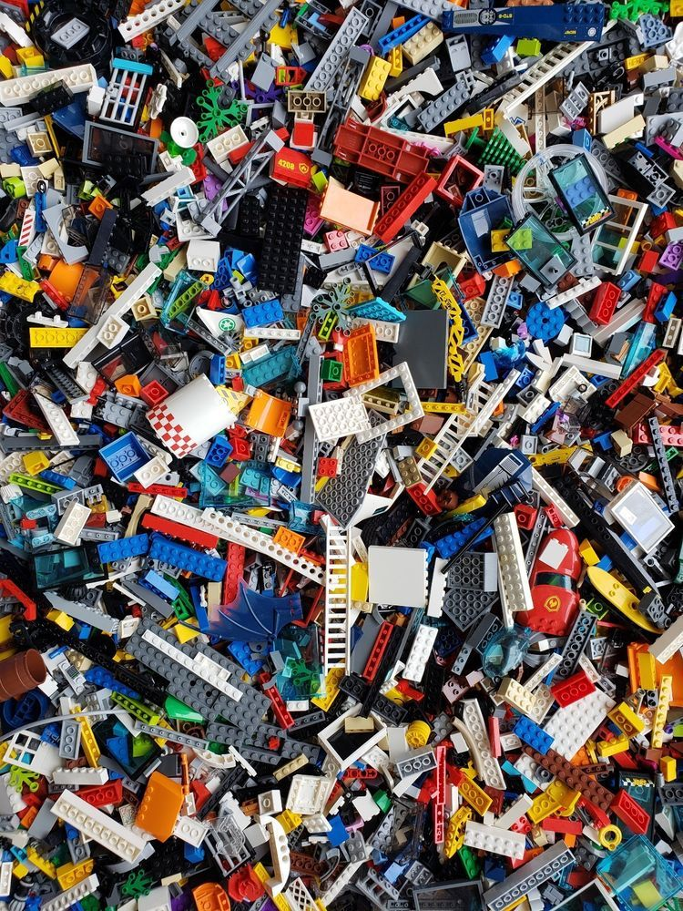 2 POUNDS OF LEGOS and MINIFIGURES LEGO City Bulk Brick Lot Pieces Star Wars