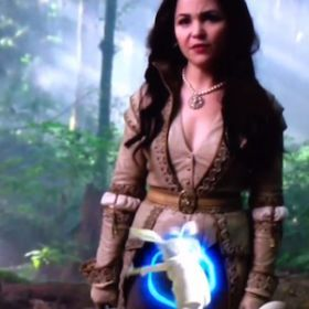 'Once Upon A Time' Promo Fail: White Rabbit Disappears In Snow White's Crotch
