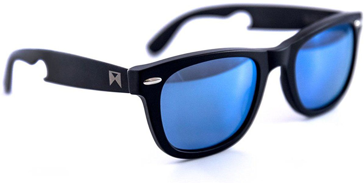 a583d339cdab8 Amazon.com  William Painter - The Hook Titanium Polarized  Classic   Sunglasses. (Black With Blue Lenses)  Shoes