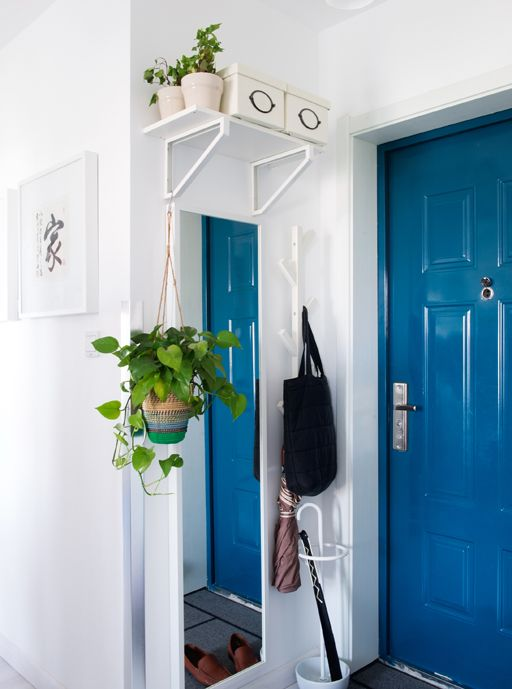 Add A Storage Station By The Front Door Apartment Entryway Tiny