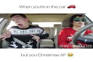 lustiger Clip 'Weihnachten im Auto.mp4'- Eine von 60261 Dateien in der Kategorie 'Lustiges' auf FUNPOT. Kommentar: Wenn du im Auto bist und es ist Weihnachten