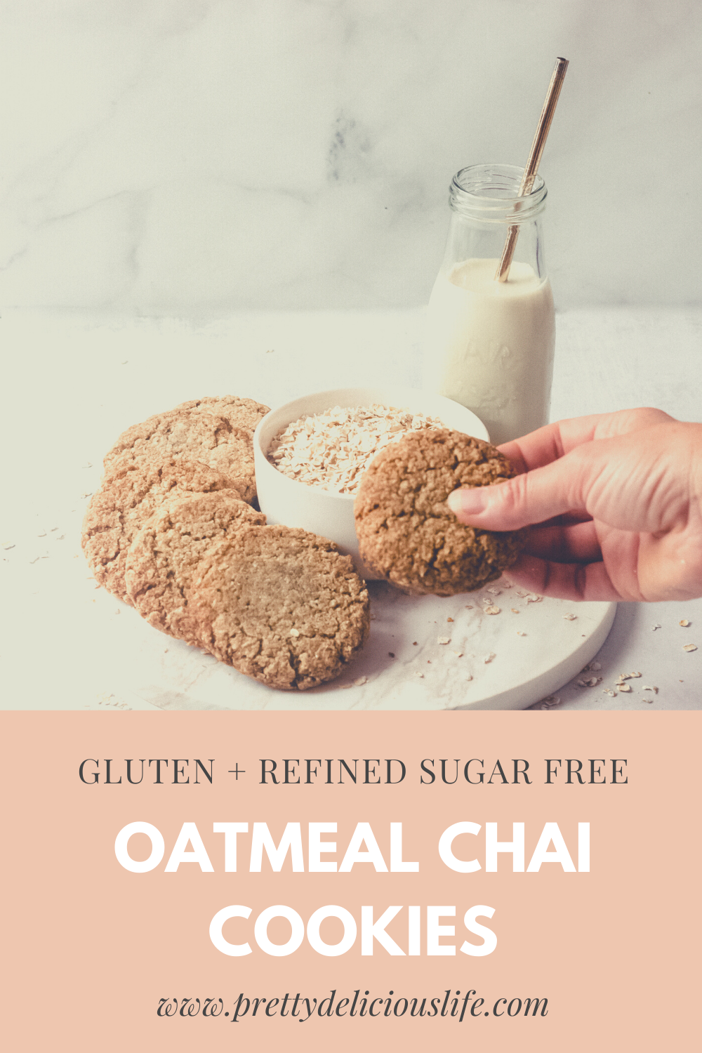 Made with oats and paleo flours, these gluten free oatmeal cookies are also low FODMAP diet friendly. Only 3g of sugar per cookie! #lowsugardessert #glutenfreedessert #lowfodmapdessert