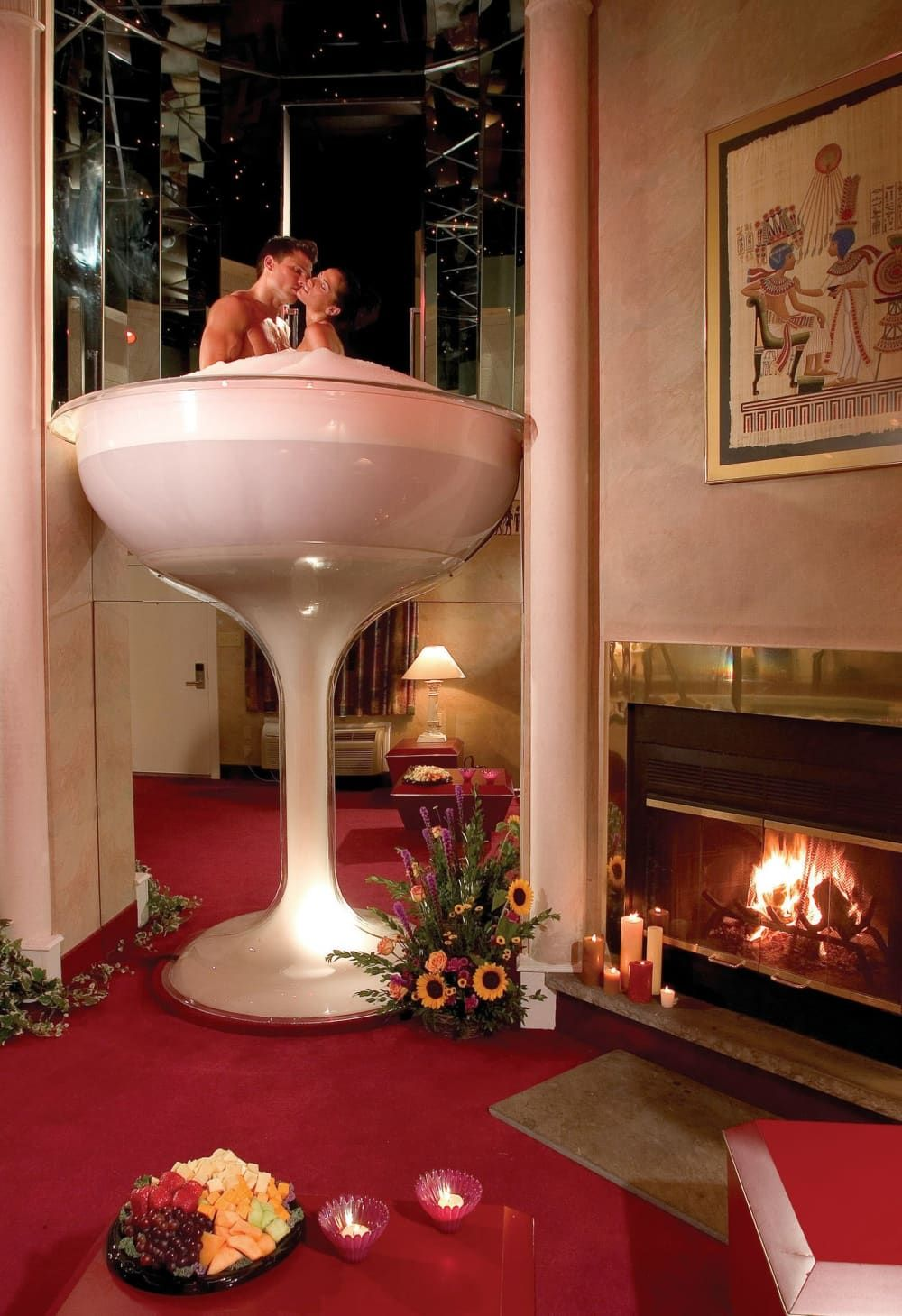 The Rise And Fall Of The Heart Shaped Hot Tub Glass Tub Romantic Getaways All Inclusive Honeymoon