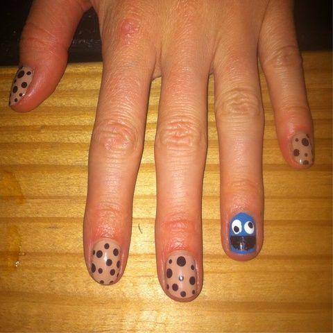 Omm Nomm Nomm! Cookie monster nails!