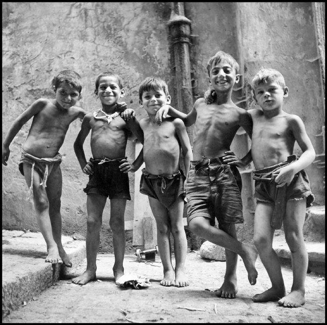 La felicidad de ser niño a través de los ojos de cuatro grandes fotógrafos de la historia