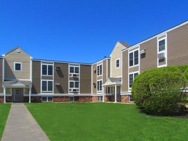 The Boulders 1129 Special Won T Last Welcome Home To The Boulders Amherst Umass Apartments We Are Perfectly Situat Affordable Apartments Apartment Home