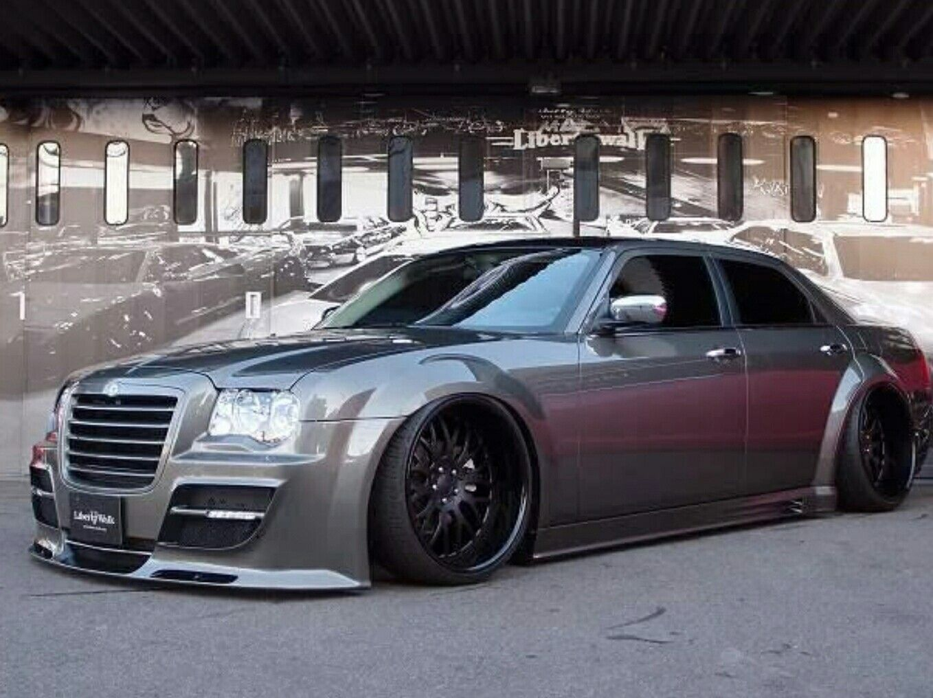 Pin By Chris Mcclure On 300s Chrysler 300 Chrysler 300 Custom