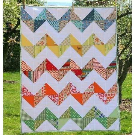 Modern Baby Quilt Patterns Free : MODERN BABY GIRL QUILT PATTERNS Sewing Patterns for Baby baby quilts Pinterest Zig zag ...