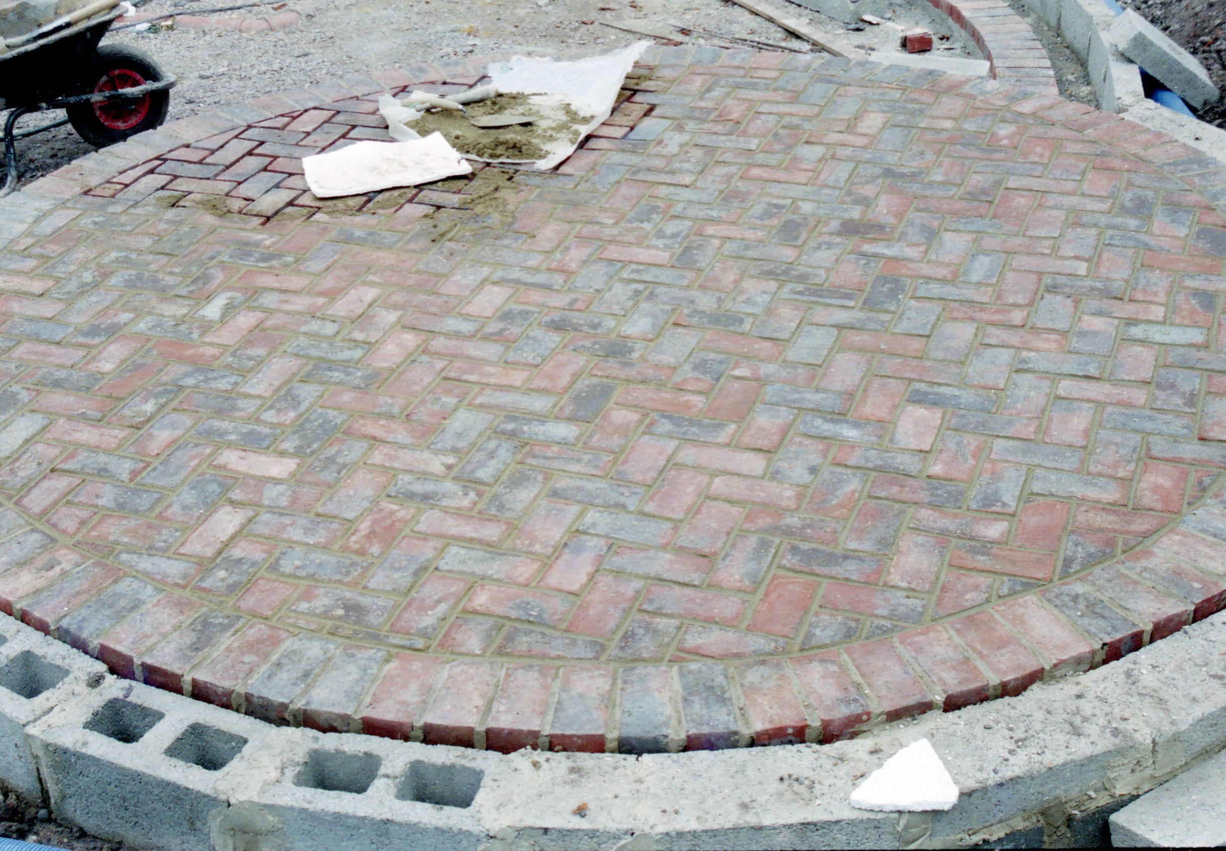 Circular Brick Patio Patio Edging Hardscape Patio Brick Patios