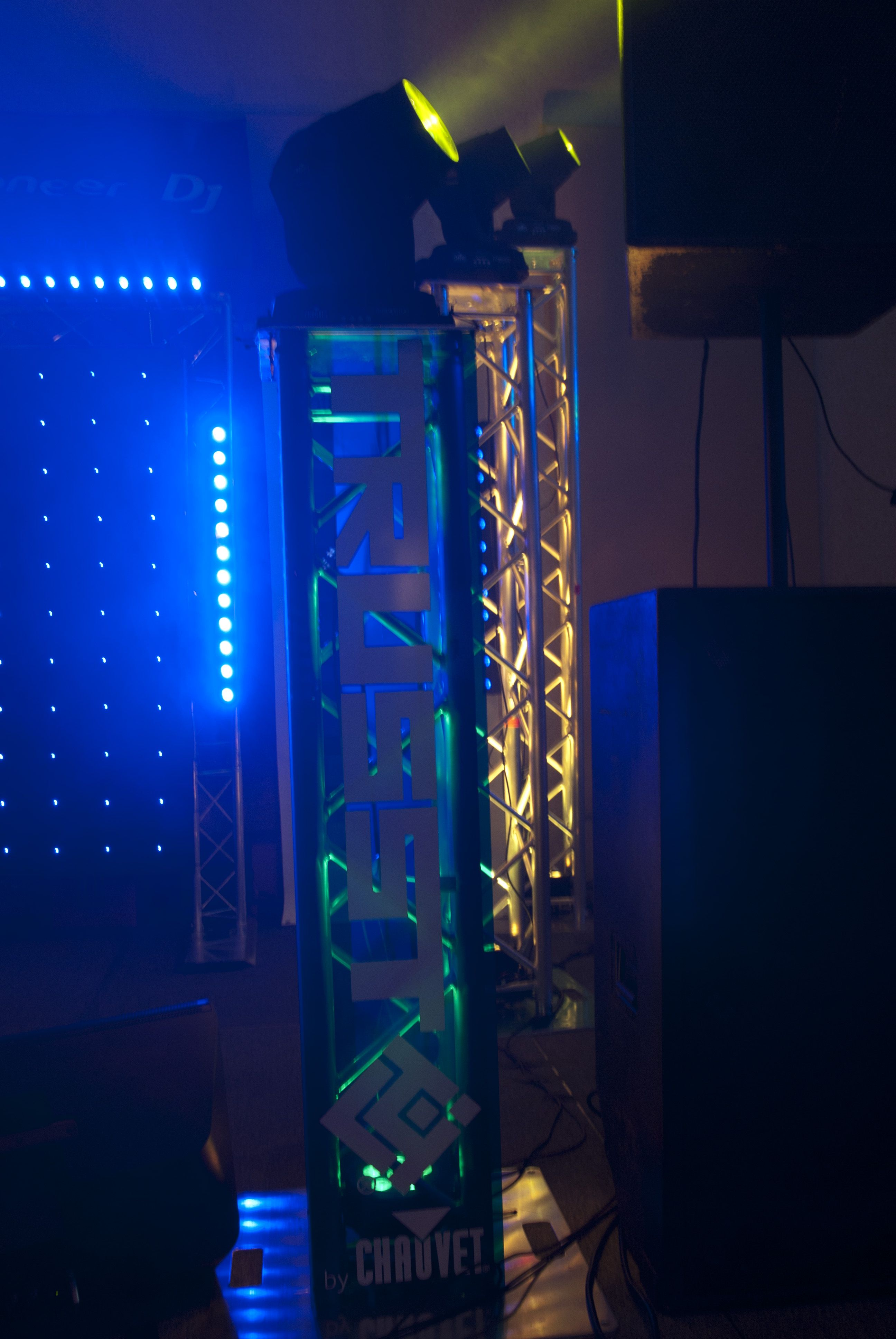 irc sound lighting intimidator chauvet simply dj and spot
