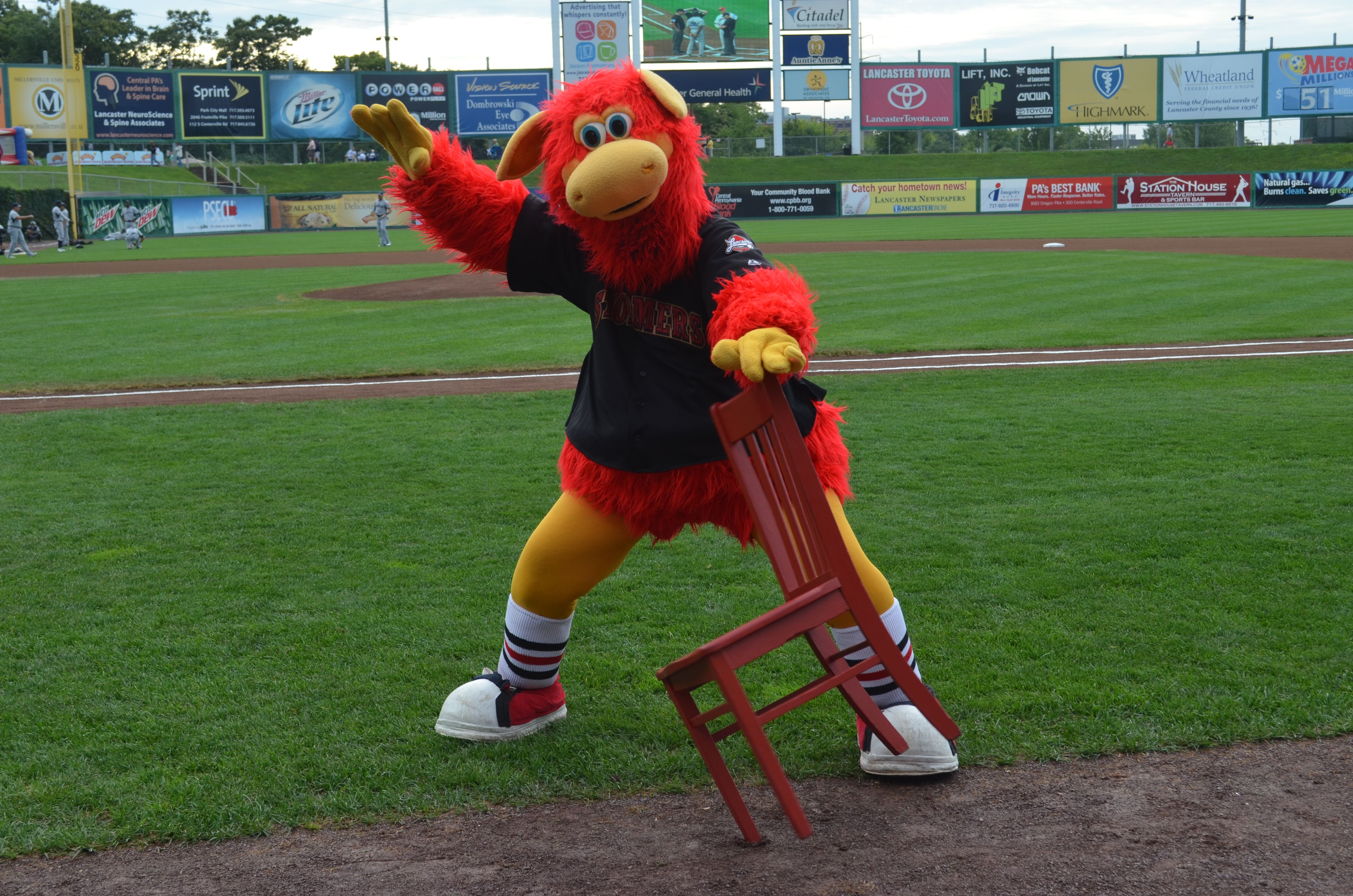 The Grand Finale To Visiting The Historic Smithton Inn In Ephrata Pa Was A Trip To See A Lancaster Barnstorm Minor League Baseball Team Mascots Baseball Team