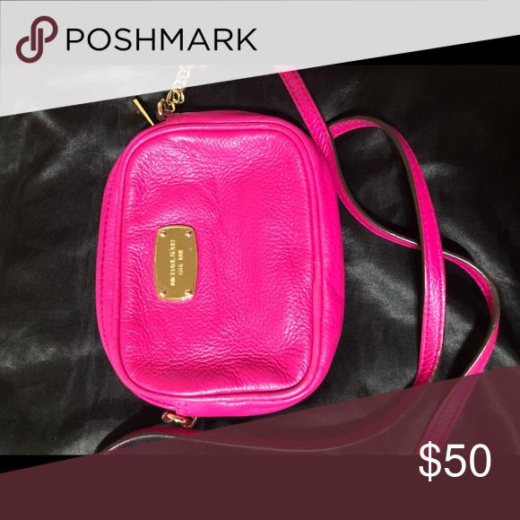 Pink Michael Kors sling purse Authentic MK purse KORS Michael Kors Bags  Crossbody Bags 0eb7e72a5d