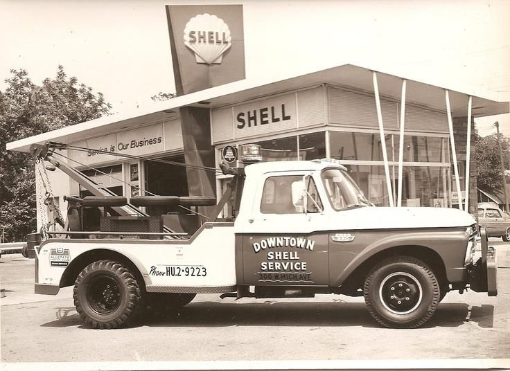 Vintage Tow Trucks And Wreckers Ford Shell Gas Station Old Gas Stations Tow Truck