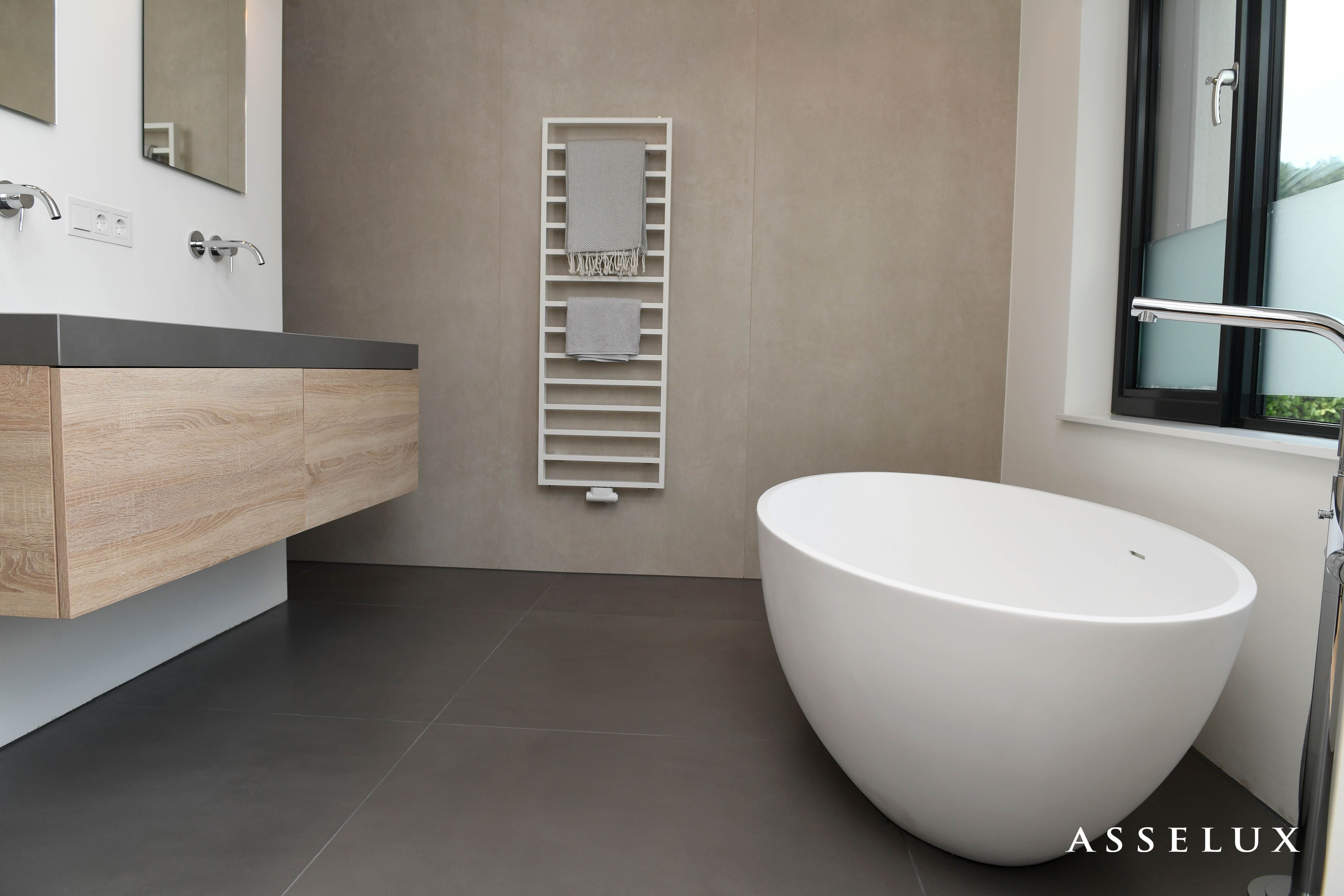 asselux badkamer keramische vloer en wandbekleding wastafel