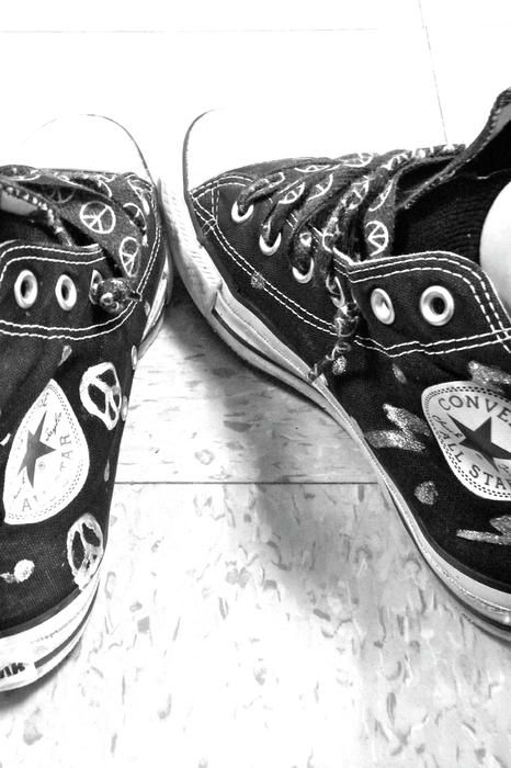 a9637ca301aff7 converse and peace signs  3