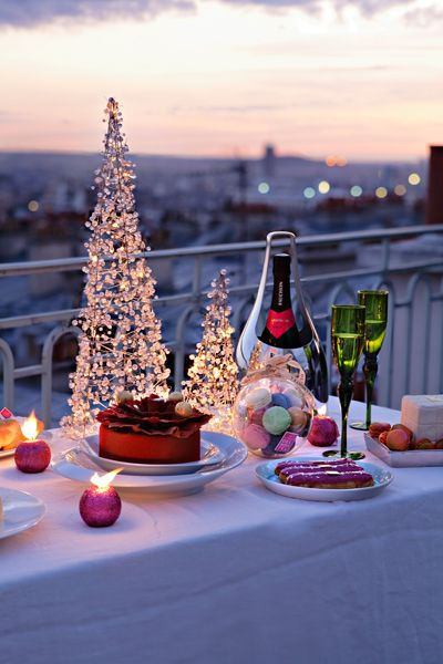 Romantic Christmas Get Together Christmas In Paris Christmas