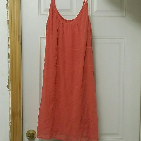 Laura Conrad dress Bought this dress at kohl's it's by Laura Conrad never worn it.its a beautiful coral strappy dress.its a size medium. Laura Conrad  Dresses Midi