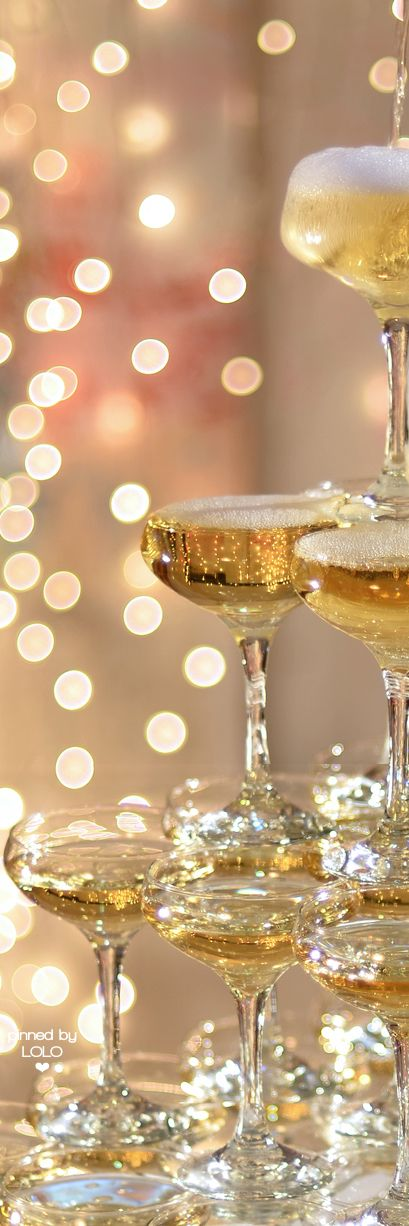 champagner turm sekt geht auch knaller ideen f r silvester pinterest champagner. Black Bedroom Furniture Sets. Home Design Ideas