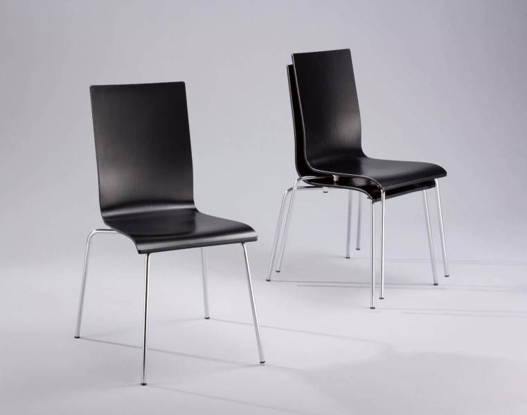 freedom furniture dining chair in black its in very good conditi