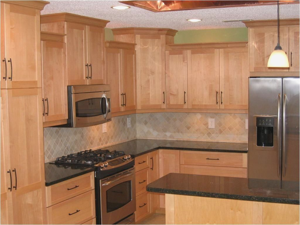 Shaker Ii Maple Natural Cabinets Deerfield Cabinets Com Birch Kitchen Cabinets Maple Kitchen Cabinets Kitchen Remodel Small