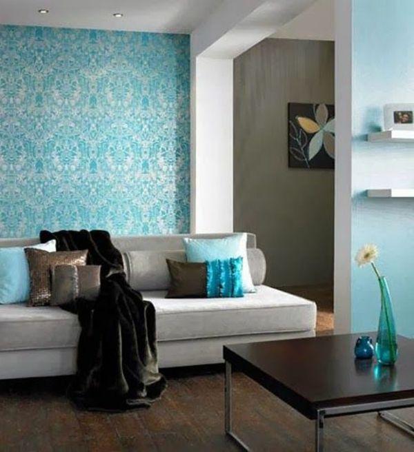 wohnzimmer streichen - blaue farbschemen und soga mit vielen