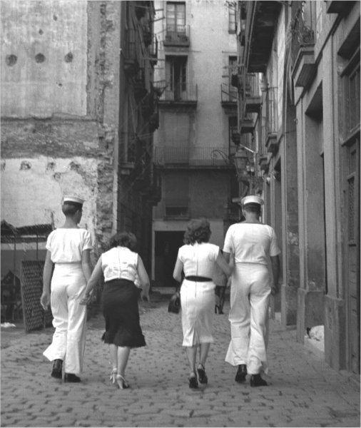 Francesc Català-Roca - Visita al barrio chino 1953 / Copia póstuma, 2003